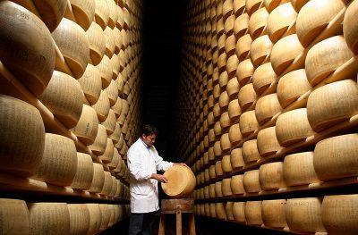 Parmigiano Reggiano magazzino